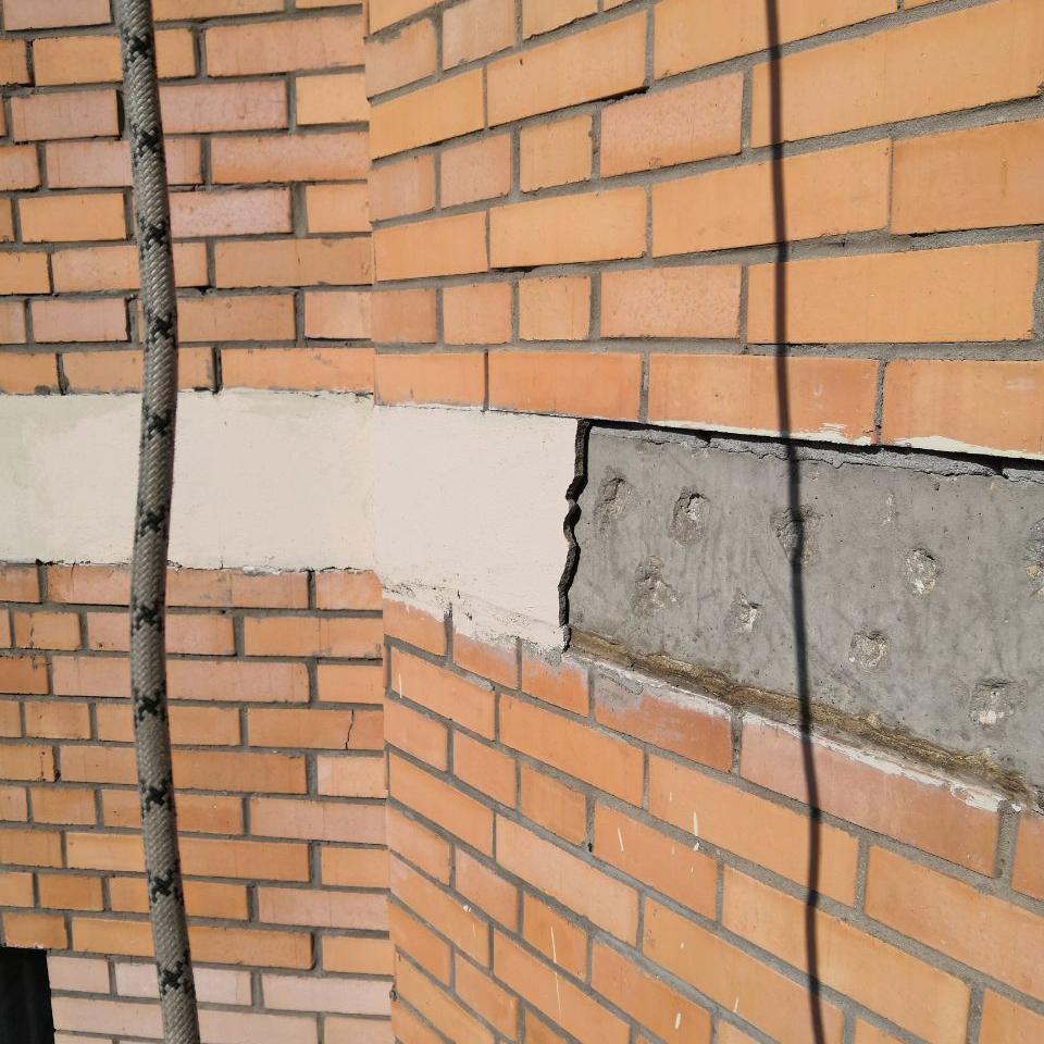 Монолитный пояс разрушается штукатурка